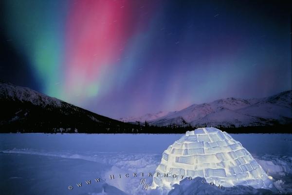 aurora_igloo by Rolf Hicker