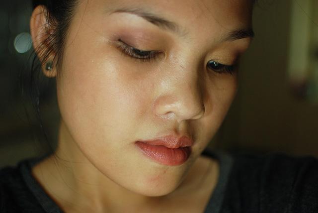 FOTD - Aubergine Gold Cheeks