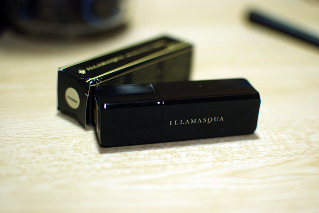Illamasqua Lipstick - Immodest - Case