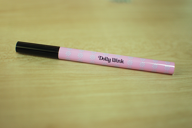 Dolly Wink Liquid Eyeliner - Black - Tube