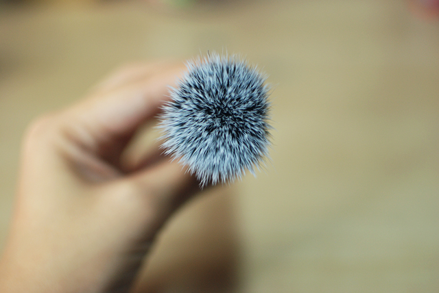 elf stippling brush - bristles