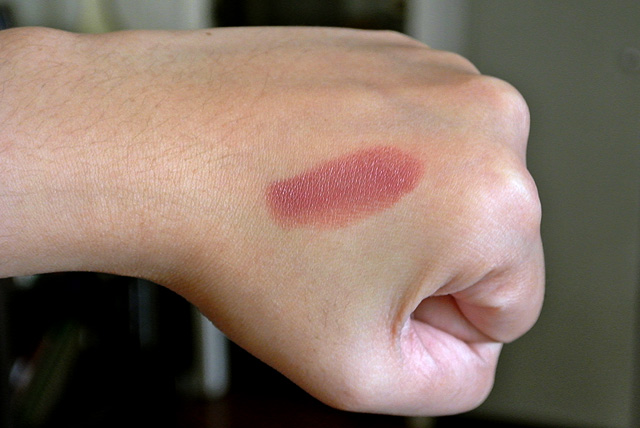 Le Metier de Beaute Lipstick - Bondi Beach Swatch