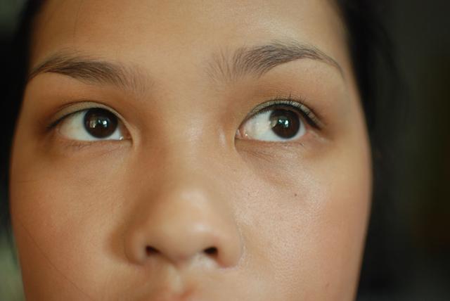 shu uemura eyelash curler - face 2