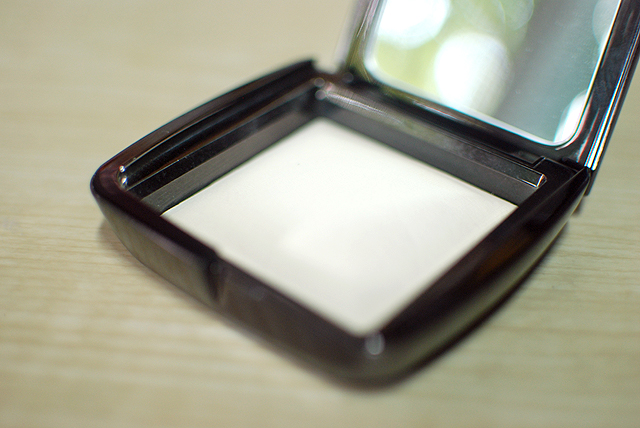Hourglass - Ambient Lighting Powder - Ethereal Light