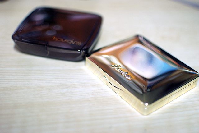 Hourglass - Ambient Lighting Powder - Packaging - Guerlain