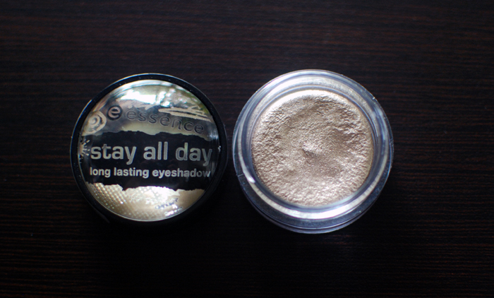 essence - stay all day - long lasting eyeshadow - glammy goes to