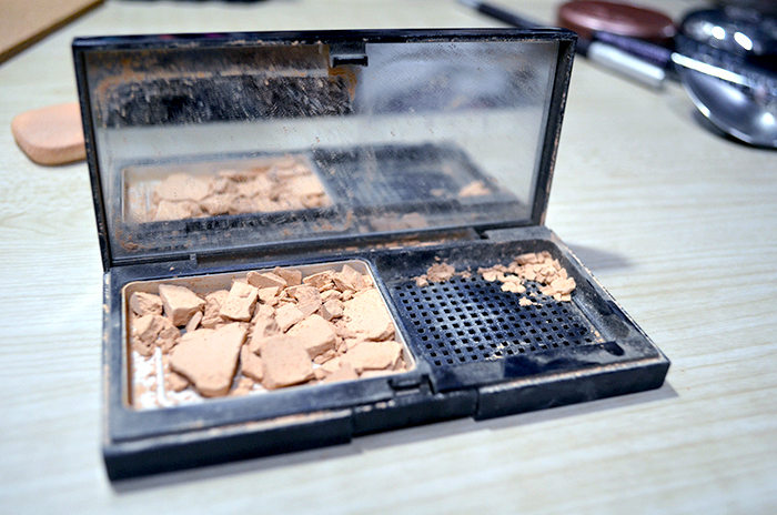 Beauty 911 - Cracked Powders
