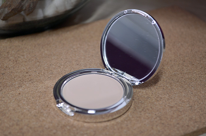 Eye Brightening and Setting Powder - Refresh