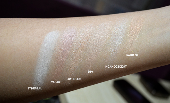 Hourglass Ambient Lighting Powder - Swatches