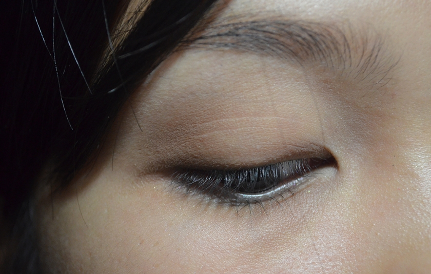 Le Metier de Beaute - True Colour Eye Shadow - Naked, Tamarack - Eye 2