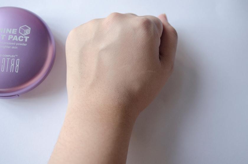 BRTC Jasmine Moist Pack - Skin Swatch