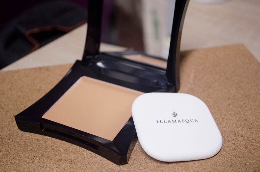 Illamasqua cream Foundation 2