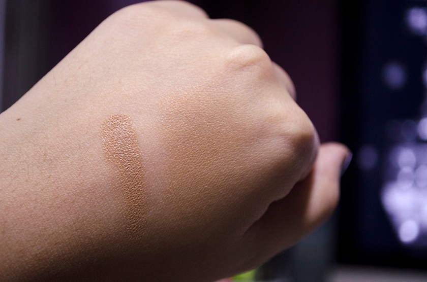 Illamasqua cream Foundation - Swatches