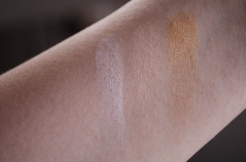Le Metier de Beaute True Colour Eyeshadow - Swatches - Naked, Peachy Keen, Goldstone