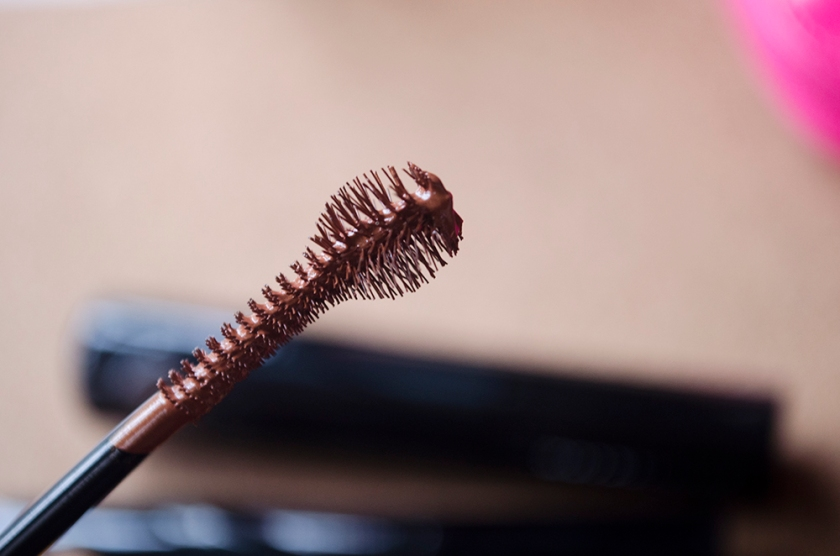 Maybelline Fashion Brow 24H Coloring Mascara - Brush - 3 Rusty Brown