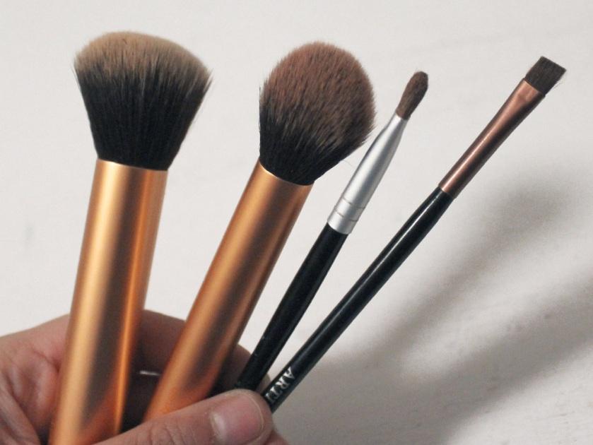 03 Brushes