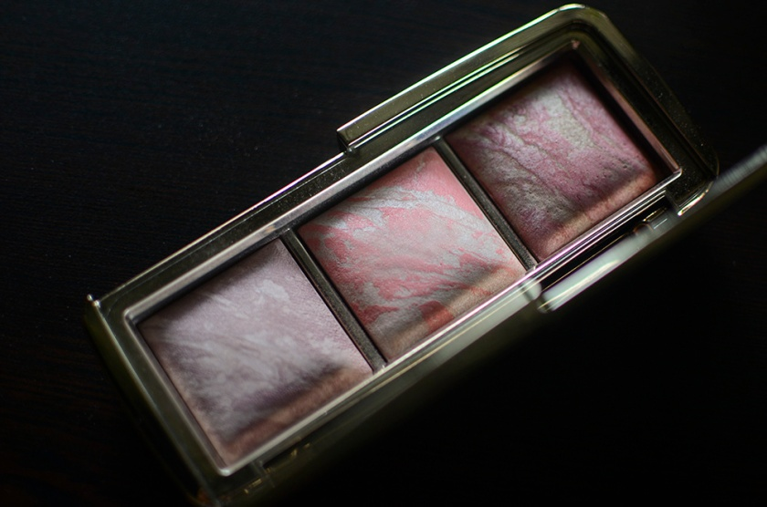 Hourglass Ambient Lighting Blush Palette - Open Pans