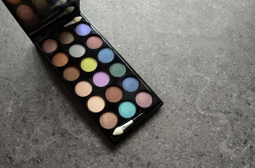 Le Métier de Beauté Beauty Vault VIP May 2015 - Sexy Eye Palette