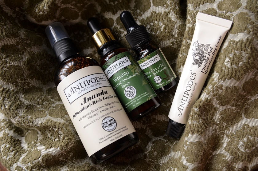 Antipodes - Ananda, Worship, Divine Face Oil, Vanilla Pod Hydrating Day Cream